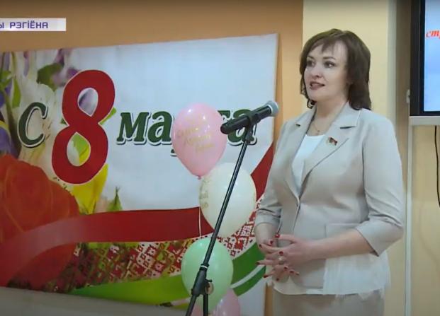 Накануне Международного женского дня депутат Елена Потапова поздравила женщин-строителей