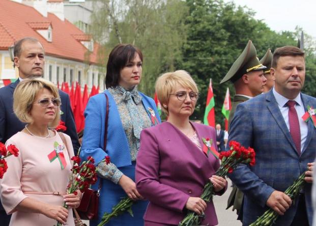 Депутат Палаты представителей Национального собрания Республики Беларусь Елена Потапова приняла участие в торжественном митинге в честь Дня Независимости в Гродно
